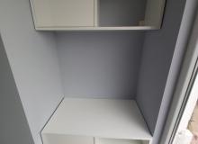 Бюро и шкаф от боядисан MDF - висящ монтаж